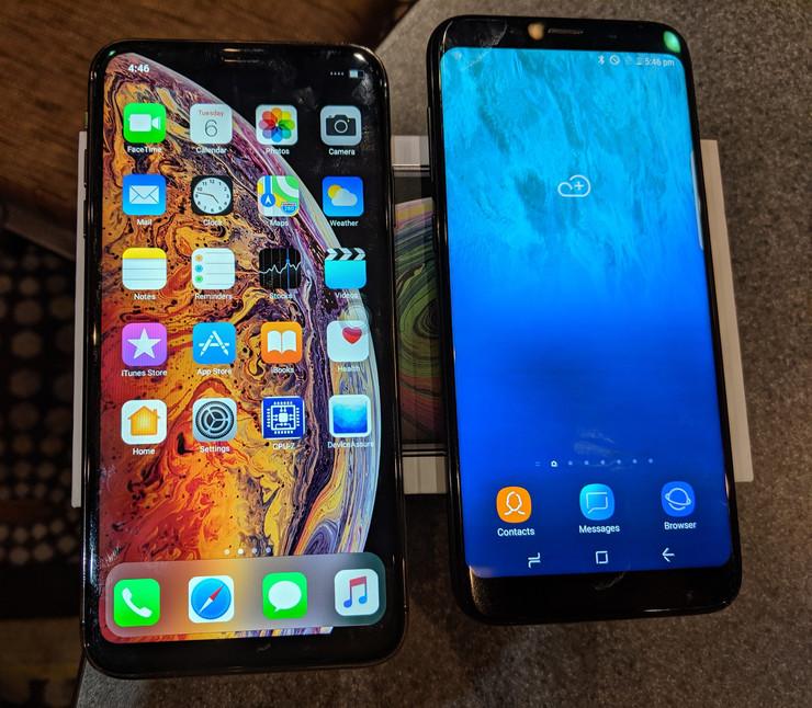 Това вляво не е iPhone. Струва 50 USD и идва заразено с вируси по поръчка на клиента. Снимка: PC World